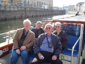 Lovely people on a lovely harbour- and canal trip.